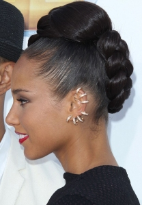 alicia-keys-gold-ear-cuffs-christal_rock